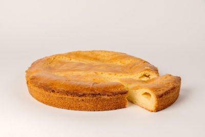 Gâteau Basque Crème pâtissière de fabrication artisanale